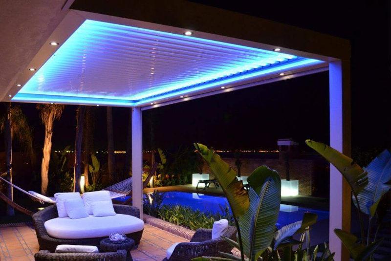 Pérgola bioclimática con LED